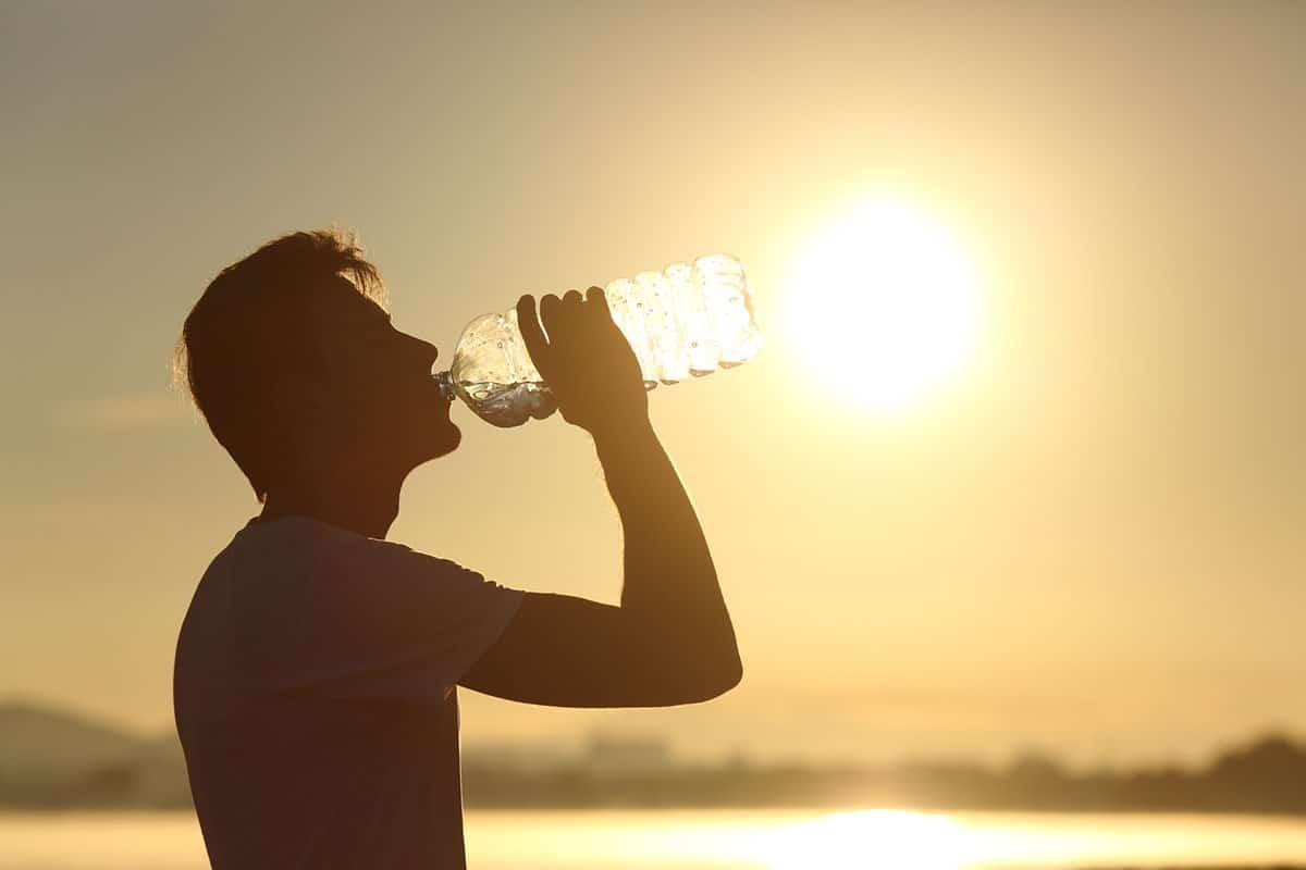 image forte chaleur eau colique néphrétique